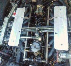 Jaguar E-type V12 service workshop