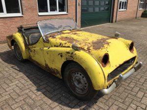 TR3 Triumph yellow