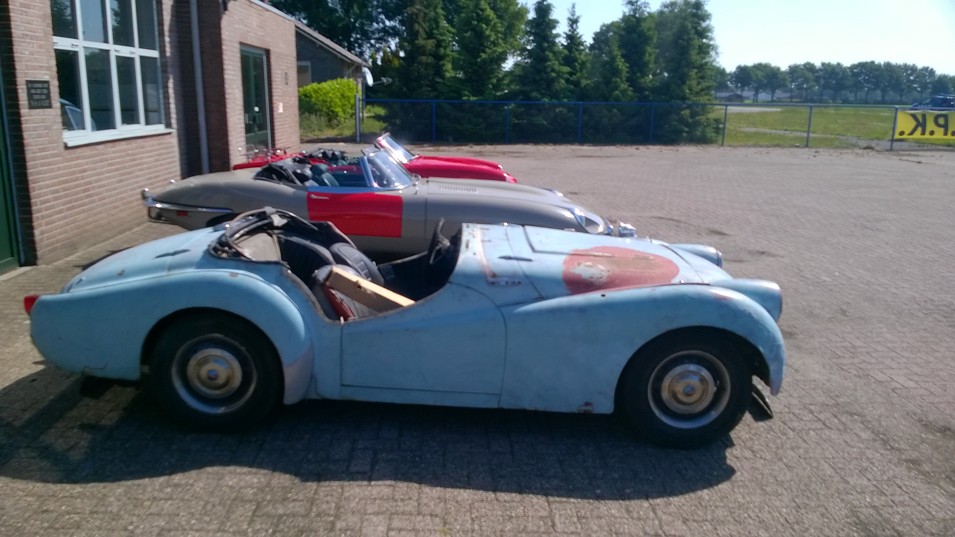 Triumph TR2 better than new af...