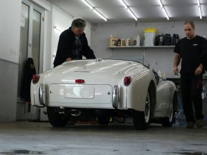 Triumph TR2 finishing touch old english white